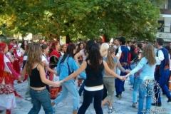 melnik-meydaninda-dans-etmek